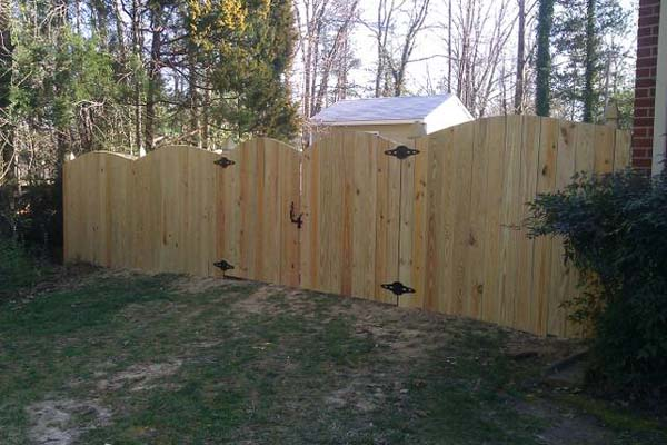 convex scalloped privacy wood fence
